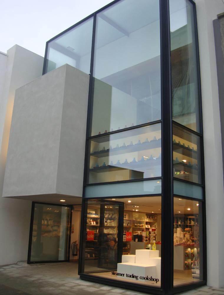 Glass-box-installation-London